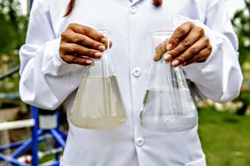 El prototipo creado por Nazia Loayza mejora la calidad del agua que se consume en el Vraem.