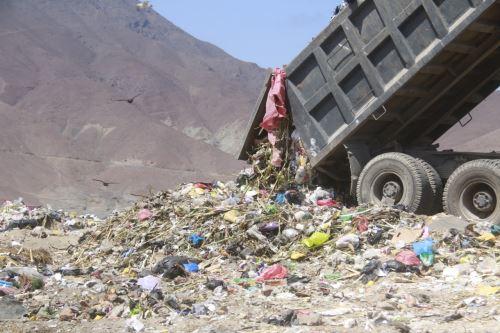 Botadero informal se ha convertido en un foco de contaminación ambiental en Chimbote.