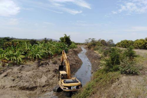Minagri ejecuta limpieza de drenes como medida de prevención ante lluvias.