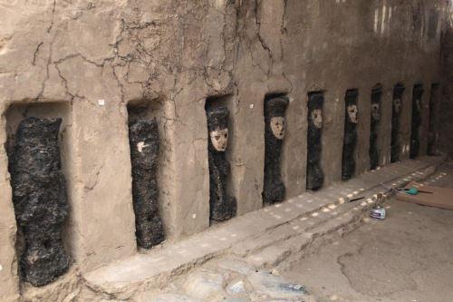 Un total de 19 esculturas de madera fueron halladas dentro del complejo arqueológico Chan Chan.