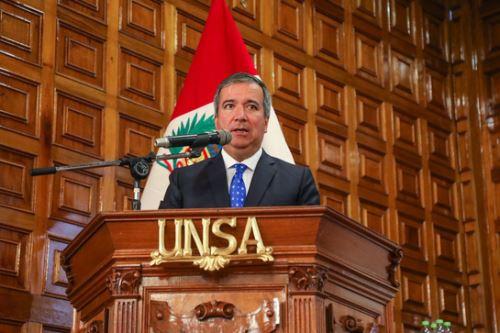 Ministro de la Producción, Raúl Pérez-Reyes, anunció que se creará un CITE Auxiliar Minero en Arequipa.