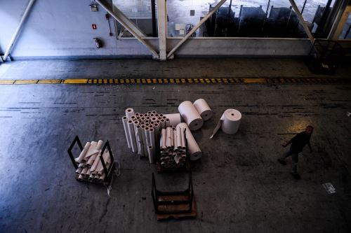Bobinas de papel restantes en El Nacional