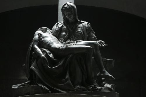 Copia exacta de La Piedad, monumental obra del gran Miguel Ángel, se exhibe en la iglesia Santiago Apóstol de Lampa.