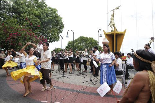 Comunidades indígenas amazónicas de Loreto mostraron sus expresiones culturales.