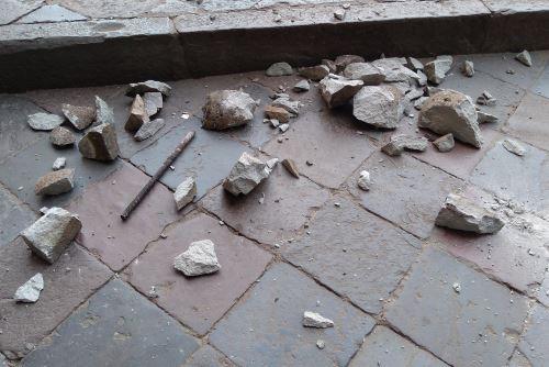 Al menos cuatro pináculos o elementos constructivos de la parte más alta del templo barroco La Compañía de Jesús cayeron producto del sismo de magnitud 4.