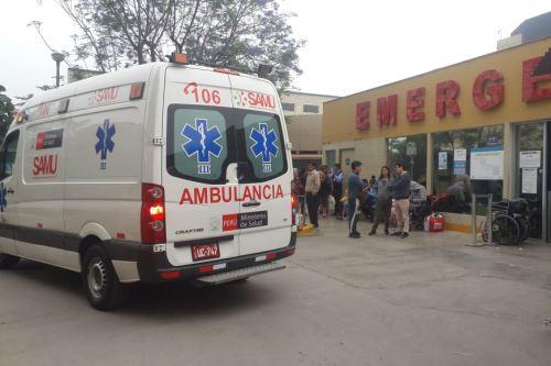 Niña fue trasladada al Instituto Nacional de Enfermedades Neoplásicas en una ambulancia del SAMU.
