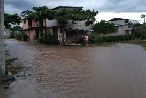 Diversos poblados resultaron afectados por las inundaciones debido a la crecida de ríos.