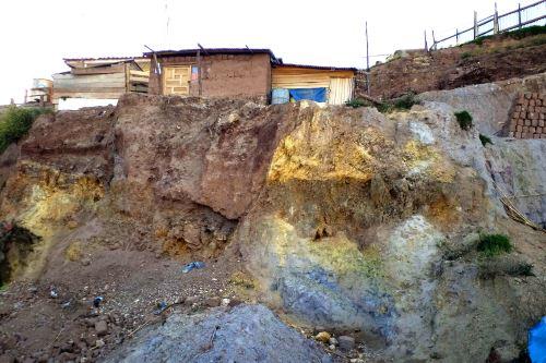 Ingemmet advierte de incremento de construcción de viviendas sobre la falla geológica activa Tambomachay, en  la zona de Alto Qosqo.