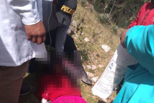 Restos de los menores fueron hallados al fondo de un barranco.