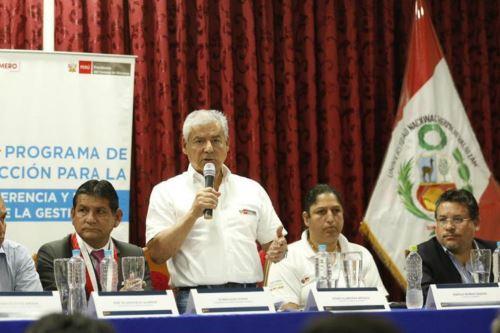 El presidente ejecutivo de Devida, Rubén Vargas, acompañó al jefe del Gabinete, César Villanueva, en taller de inducción para alcaldes electos de Huánuco.