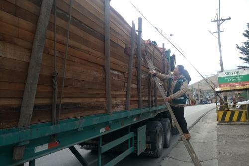 Serfor capacita a gobiernos regionales y usuarios amazónicas en el uso de aplicativos de guías de transporte forestal.
