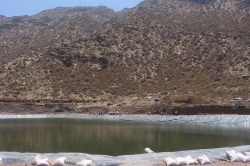 Más de 280 familias productoras se benefician con el mejoramiento del sistema de riego en Santiago de Tuna.