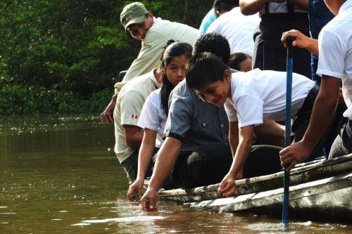 Escolares de la comunidad indígena Curinga participaron de actividad en cocha Tipishca.