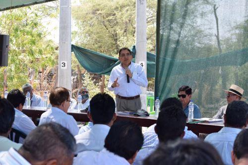 El viceministro Arteaga resaltó la importancia de la asociatividad de los pequeños productores de mangos y de otros productos.