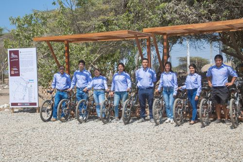 Jóvenes que viven en los poblados colindantes a Chan Chan y que acompañarán a los visitantes han sido capacitados como parte del proyecto Bicitour.