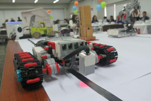 La robótica es un área de mayor interés que atrae a escolares y universitarios.