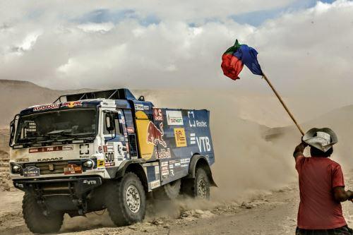 Un camión del Dakar arrolla a un aficionado