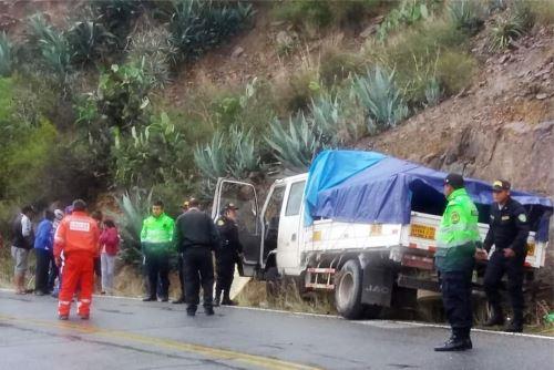 Policía investiga causas del accidente de tránsito que causó la muerte de una persona.