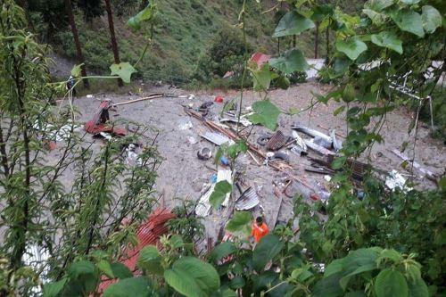 El huaico causó cuantiosos daños materiales en el centro poblado Calicanto, en Ayacucho.