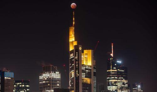 Super luna de sangre sobre Frankfurt
