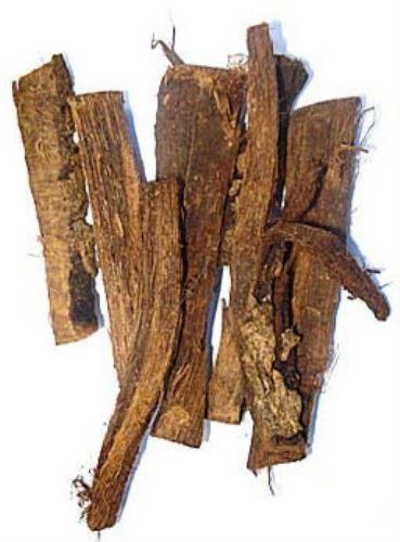 La bebida incluye cortezas de plantas medicinales de la Amazonía.
