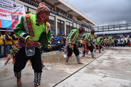 La fiesta en honor a la Virgen de la Candelaria se vivió intensamente en el penal de Puno.