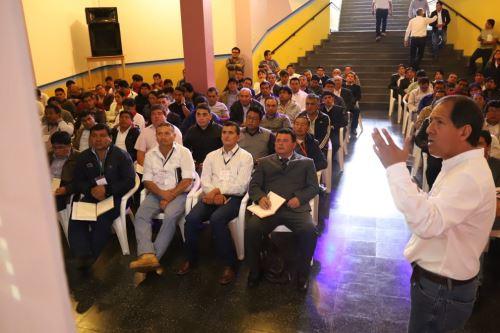 Director de la Autoridad para la Reconstrucción con Cambios (ARCC), Edgar Quispe Remón, se reunió con autoridades de Cajamarca.