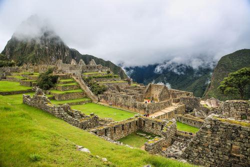 Estudio publicado por Forbes destaca la impresionante arquitectura de Machu Picchu edificada sobre una montaña.