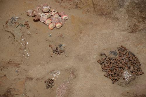 Algunos objetos se dañaron a causa de la acción de los huaqueros.