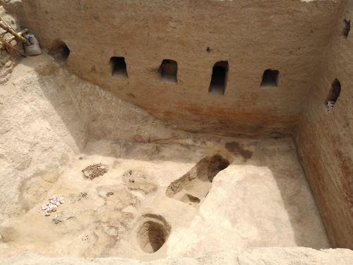 Los arqueólogos destacaron la construcción y las dimensiones de la cámara funeraria.