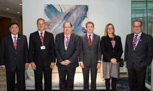 Delegación de InPERÚ 2019 en Londres