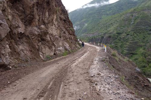 Lluvias intensas ocasionaron deslizamientos que afectaron la ruta Lunahuaná-Yauyos-Chupaca.