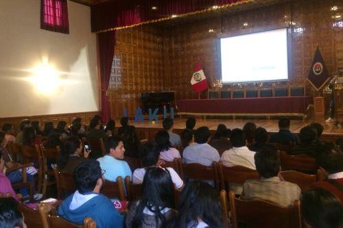Cientos de estudiantes de la UNSA mostraron interés en participar de iniciativa.