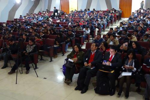Más de 300 alcaldes y funcionarios municipales participaron de taller organizado por el Midis.
