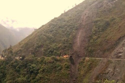 Las lluvias intensas provocan constantes deslizamientos en la provincia de Oxapampa, región Pasco.