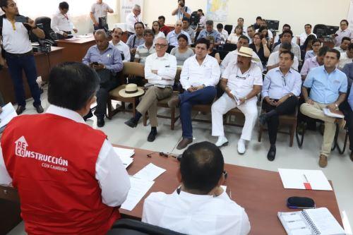 El director ejecutivo de la Autoridad para la Reconstrucción con Cambios, Nelson Chui, se reunió con alcaldes distritales y provinciales de Piura para escuchar sus demandas.