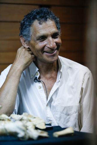 Mario Urbina nació en Chaclacayo y desde hace más de 30 años se dedica a la colecta de fósiles.