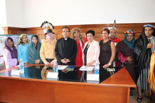 La parroquia Inmaculada Concepción y la Municipalidad Provincial de Otuzco informaron que cien actores darán vida al vía crucis por Semana Santa en la provincia liberteña.