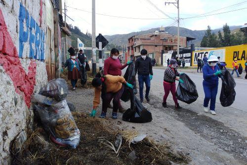 Pobladores de Huaraz participaron activamente en jornada de limpieza, con el propósito de ofrecer una ciudad limpia a los visitantes que llegue por Semana Santa.