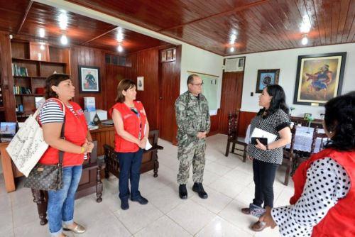 La titular del Ministerio de la Mujer y Poblaciones Vulnerables (Mimp), Gloria Montenegro, se reunió con personal de las Fuerzas Armadas de Madre de Dios.