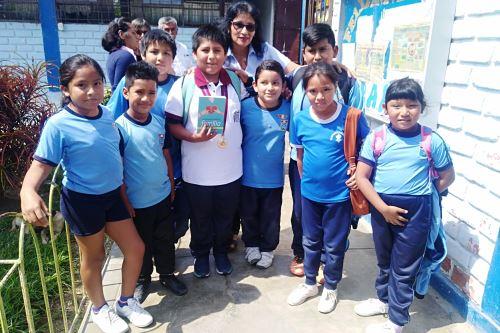 Víctor Martín Angulo y sus compañeros se muestran felices por la anunciada donación.