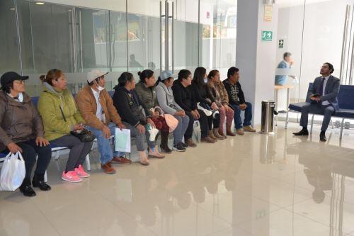 El vicegobernador regional de Junín, Fernando Orihuela, se reunió con familiares de pacientes con el síndrome de Guillain-Barré que son atendidos en el Hospital Daniel Alcides Carrión de Huancayo.