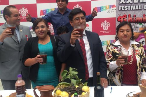 El alcalde distrital de Uchumayo, Víctor Quispe, invitó a participar en el XXVII Festival del Chimbango el 7 de julio.