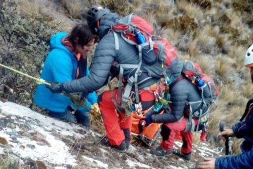 Labores de rescate de cuerpos de montañistas argentinosfue bastante dificultosa.
