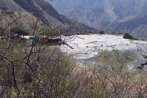El OEFA verificó que la emergencia ambiental generó el desembalse de aproximadamente 67,487.80 metros cúbicos de relave en un área aproximada de 41 574 metros cuadrados.