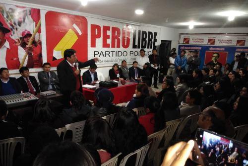 El Comité Ejecutivo Nacional de Perú Libre convocó a una reunión ante sentencia al gobernador regional de Junín, Vladimir Cerrón.