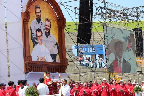 En Pariacoto (Áncash) se ofició una misa en memoria de los sacerdotes polacos Miguel Tomaszek y Zbigniew Strzalkowski, asesinados por Sendero Luminoso en 1991.