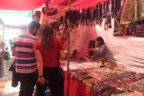 Como parte de las celebraciones por el 479º aniversario de Arequipa, se inauguró la Feria Artesanal Fundo El Fierro.