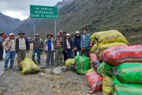 Más de 1,000 kilos de residuos inorgánicos fueron retirados del Parque Nacional Huascarán.