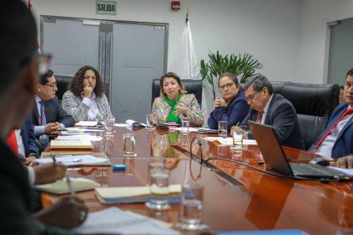 Las ministras de Agricultura y Riego, Fabiola Muñoz; Producción, Rocío Barrios; y de Ambiente, Lucía Ruíz, participaron en reunión con autoridades de Piura.